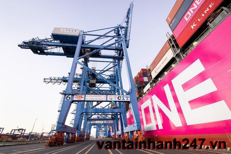 Phụ phí giá cước đường biển hàng container